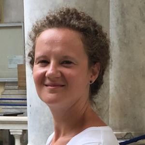 Joanna Wiśniewska-Szopkapsychoterapeuta poznawczo-behawioralny i EMDR, pracuje z osobami dorosłymi, młodzieżą i dziećmi